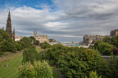 scott monument: Scott monument and gardens in Edinburgh, Scotland, United Kingdom