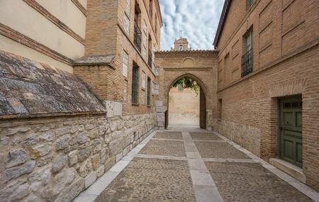 colonisation: Ingresso principale del Convento di Santa Clara a Tordesillas