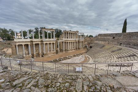 edificación: El Teatro Romano de M�rida, Espa�a. Amplio �ngulo de visi�n
