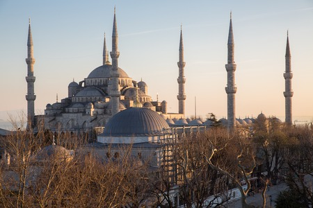 blue mosque: Side view of Blue mosque in Istanbul at sunset, Turkey