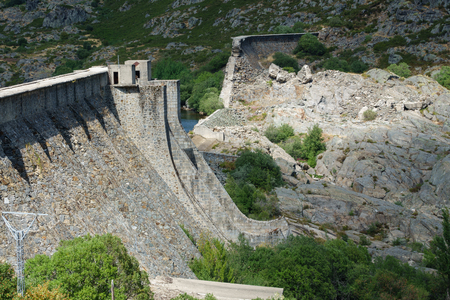 tera: Closeup view of Vega de Tera dam in Sanabria, Zamora