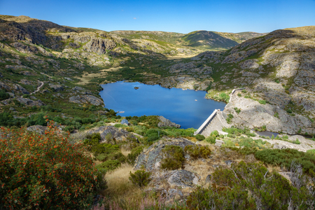 tera: Wide view, Vega de Tera broken dam in Zamora, Spain Stock Photo