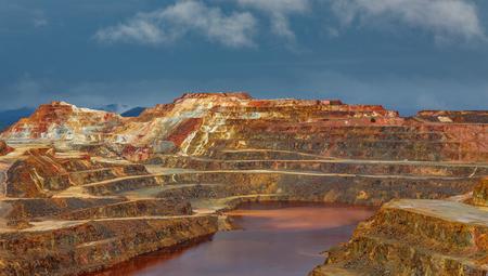 嵐の日にリオ ・ ティント鉱山