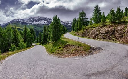 Gavia u-shape curve with cyclist
