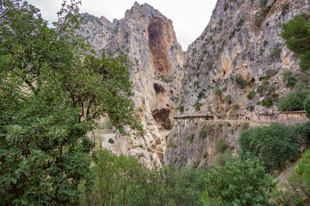 El Caminito del Rey footpath final stage with tourists Stok Fotoğraf