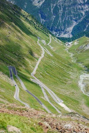 위에서 Stelvio Pass로 오르십시오.
