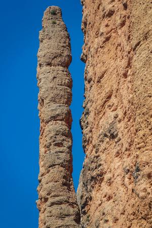 Mallos de Riglos El Puro a Huesca contro il cielo blu