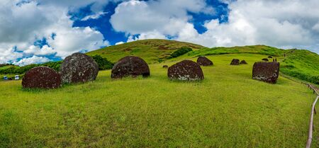 Panoramic view of Pukao mine in Easter Island Imagens