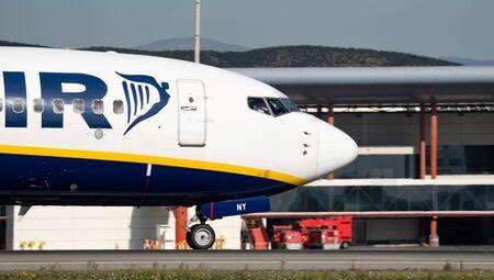 Ryanair plane head landing Editorial