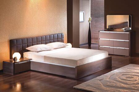 Schlafzimmereinrichtung im modernen Stil Standard-Bild