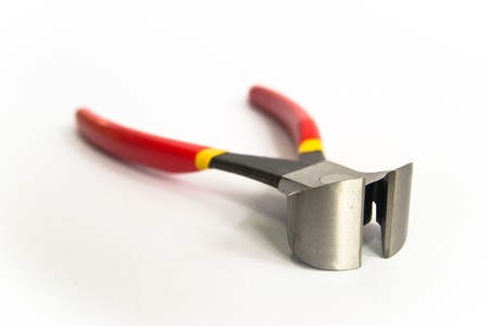 • Tools that can be repaired by compression and pulling clamp. photo