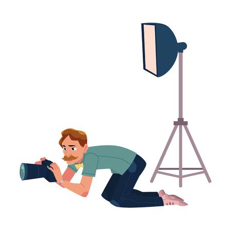 사진 촬영, 낮은 각도에서 촬영, 무릎을 꿇 고, 흰색 배경에 만화 벡터 일러스트 레이 션. 전문 사진 작가, 사진 기자, 취재 기자, 땅에 무릎을 꿇고