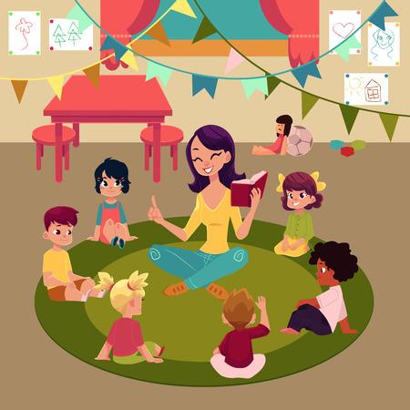 Dziecinów dzieciaki siedzi w sala lekcyjnej wokoło nauczyciela który czytają one książkę, kreskówka wektoru ilustracja. Nauczycielka czytania książki dla dzieci siedzących wokół, słuchanie z zainteresowaniem, wnętrze przedszkola