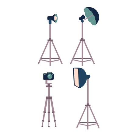Ensemble d'équipement de studio photo professionnel - appareil photo, trépieds, flash, lumière stroboscopique, illustration de vecteur de dessin animé Ensemble de photo professionnelle de style dessin animé, équipement de studio de photographe