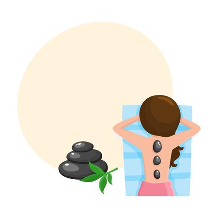 Die junge Frau, die heiße Steinmassage im Badekurortsalon, Draufsichtkarikatur-Vektorillustration mit Raum für Text erhält. Draufsichtbild der Frau heiße Massage des heißen Steins im Badekurortsalon Standard-Bild - 84354746