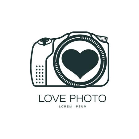Vector liefde fotocamera pictogram. Platte cartoon geïsoleerde illustratie op een witte achtergrond. Logo merkconcept voor fotostudio Stock Illustratie