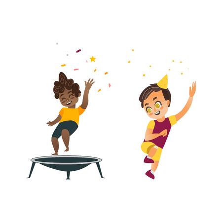Vecteur plat enfants dessin animé à la fête. Garçon noir sautant joyeusement sur le trampoline, un autre garçon dansant en chapeau de fête souriant. Illustration isolée sur fond blanc Banque d'images - 86157153