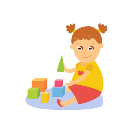 小さな女の子が、木製のブロック、キューブとピラミッド、床の上に座って遊んでフレイ コミック スタイル漫画ベクトル イラスト白背景に分離さ