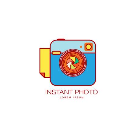 Vecteur lentille photo lentille de lentille icône couleur illustration isolé un dessin animé isolé sur un fond blanc. logo de design pour la marque de l & # 39 ; image notion studio Banque d'images - 87744259