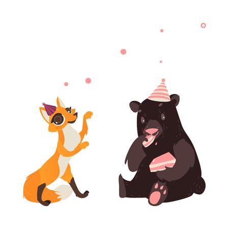 Vector personaje de dibujos animados alegres animales plana felizmente sonriente en el conjunto sombrero paty. oso pardo comiendo trozo de pastel, zorro rojo bailando. Ilustración aislada en un fondo blanco. Foto de archivo - 89875509