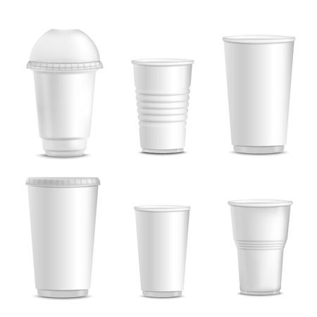 Collection of blank white plastic cup mockups for branding, set of different empty isolated hot drink containers in realistic 3d style. Vector illustration on white background. Stock Illustratie