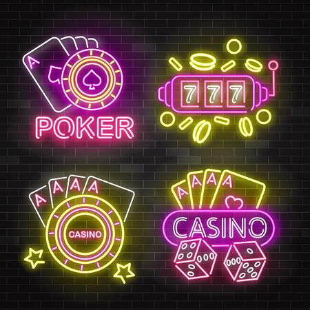 Conjunto de letreros iluminados de neón de casino, ilustración vectorial aislado sobre fondo de pared de ladrillo negro. Letreros luminosos brillantes, pancartas de luz nocturna o logotipos para juegos de casino y póquer