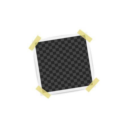 Álbum de fotos en blanco o marco cuadrado vacío colocado en la pared por cuatro piezas de maqueta de cinta adhesiva. Ilustración de vector de telón de fondo de tarjeta retro fotorrealista aislado en blanco.