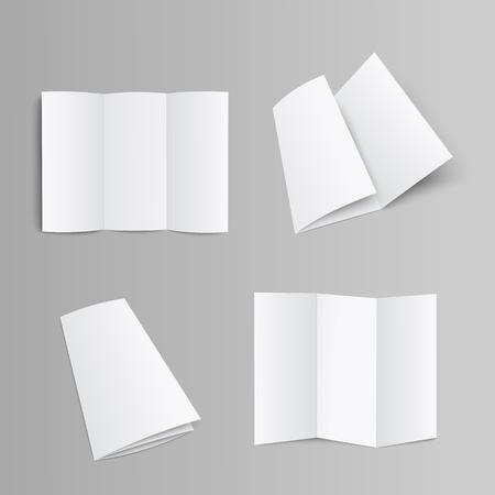 Leere dreifach gefaltete Seitenbroschüre, Broschüre oder Broschüre gefaltet und entfaltet Vorder- und gegenüberliegende Seite 3D realistische Mockup-Vektorillustration auf grauem Hintergrund mit Beschneidungspass.