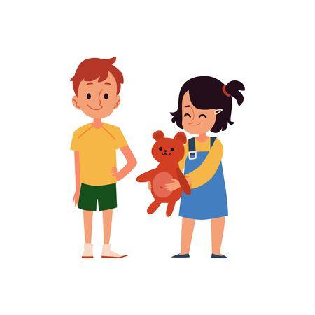 La piccola bambina caucasica sorride e tiene in mano un orsetto giocattolo, la ragazza condivide un giocattolo con un ragazzo. Buon comportamento dei bambini, un ragazzo e una ragazza. Illustrazione di vettore del fumetto piatto isolato di personaggi per bambini. Vettoriali