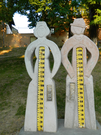 measure height: Statues to measure your height
