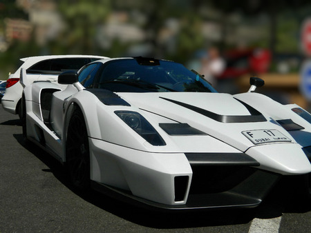 enzo: MONTE CARLO, MONACO - 27 JULY 2015 - Gemballa MIG-U1, it is based on the Ferrari Enzo,it is unique. initials form : MIG-U1 27 July 2015 in Monte Carlo.