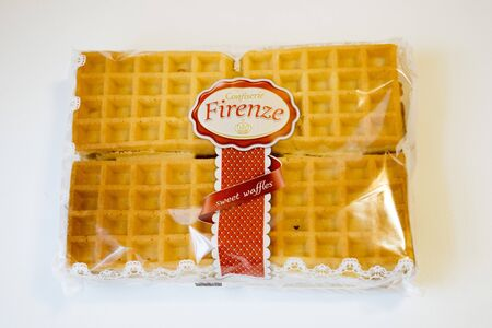 confiserie: ROMANIA, MEDIAS - Sweet waffles from Confiserie Firenze wrapped in original package, on 15 January 2016 in Medias, Romania.