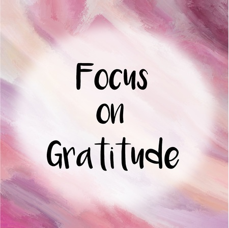 to focus: Focus on gratitude message over purple painted background