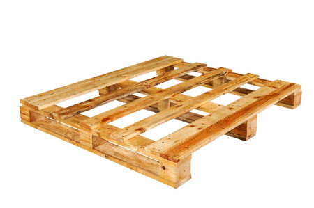 palet: La paleta de madera aislada sobre fondo blanco