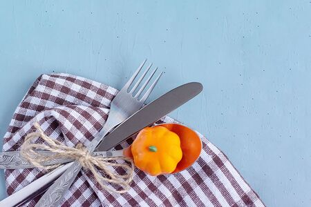 Cutlery lies on the table. View from above. Copy space for text. Can be used as a layout for design. Culinary background. Banque d'images - 135237275
