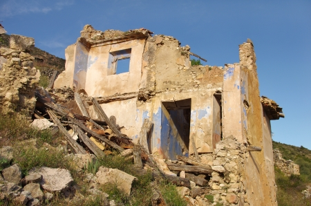 run down: ruined and abandoned house, Santa-ana lake, Spain Stock Photo