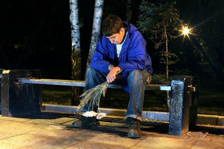 very sad teenager in the night park get break an appointment 版權商用圖片 - 11679087