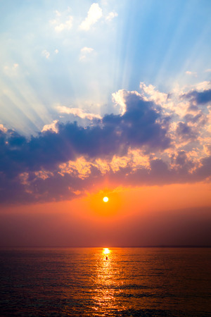 Beautiful Summer Landscape of the Sea and Sunset Stockfoto - 116148329