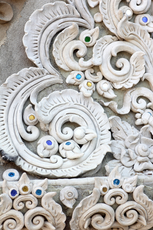 wall design: Stucco white sculpture decorative pattern wall design