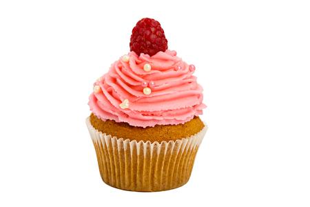 白い背景の上のラズベリーの甘いカップケーキ。 写真素材
