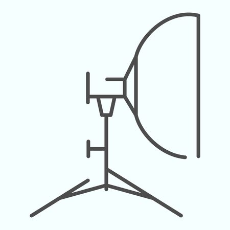 Floodlight thin line icon. Lamp to power light for photography vector illustration isolated on white. Spotlight outline style design, designed for web and app. Zdjęcie Seryjne - 138445894