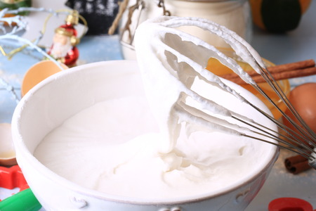 whipped egg whites and sugar for baking cream topping