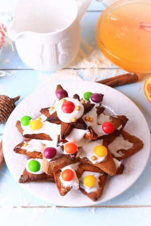 galletas de jengibre: Christmas tree from ginger cookies homemade cakes