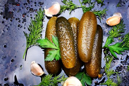 pickles: pepinos encurtidos encurtidos caseros