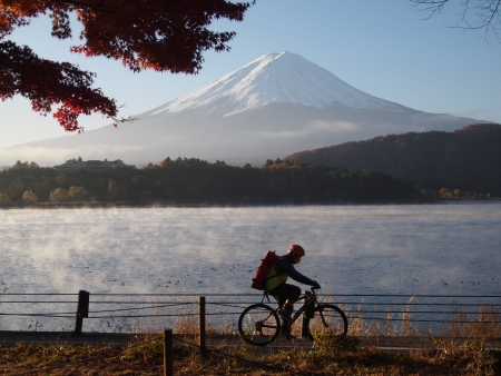 japanese fall foliage: Mount Fuji Lake Kawaguchi Bicycle