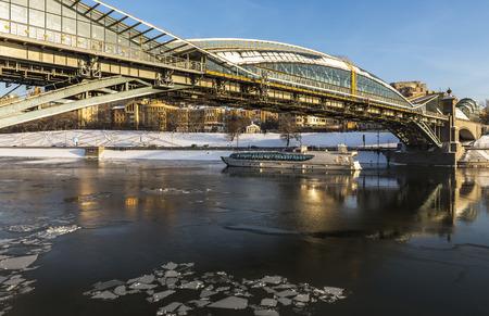 moskva river: City of Moscow. Russia. Pedestrian bridge Bogdan Khmelnitsky.