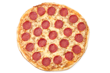 Pepperoni Pizza, izolovaných na bílém pozadí