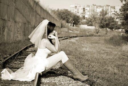 UciekajÄ…ca panna mÅ'oda. Kobieta w Å›lubny Zdjęcie Seryjne