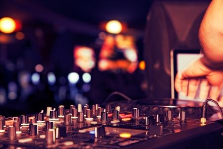 termine: Nachtclub Parteien DJ. Tontechnik