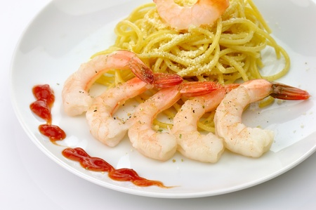 Spaghetti with shrimps  photo
